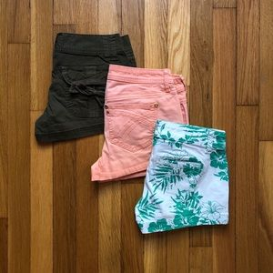 3 for 1 bundle: summer time shorts!  ☀️